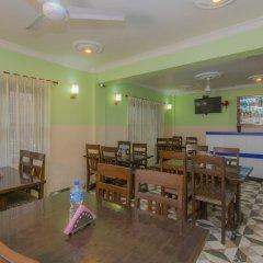 Отель OYO 233 Waling Fulbari Guest House Непал, Катманду - отзывы, цены и фото номеров - забронировать отель OYO 233 Waling Fulbari Guest House онлайн гостиничный бар