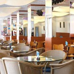 Hotel Serhs Oasis Park гостиничный бар