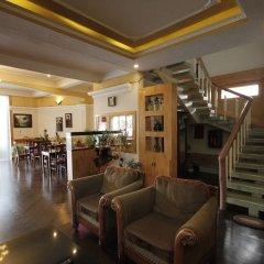 Отель Binh Yen Hotel Вьетнам, Далат - 1 отзыв об отеле, цены и фото номеров - забронировать отель Binh Yen Hotel онлайн интерьер отеля фото 3