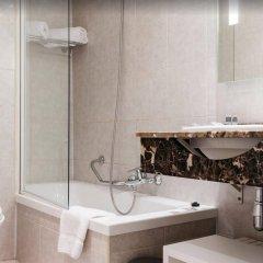 Отель Catalonia Grand Place Бельгия, Брюссель - 2 отзыва об отеле, цены и фото номеров - забронировать отель Catalonia Grand Place онлайн ванная фото 2
