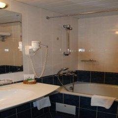 Гостиница Амбассадор 4* Стандартный номер с двуспальной кроватью
