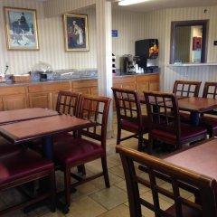 Отель Americas Best Value Inn Columbus West питание фото 3