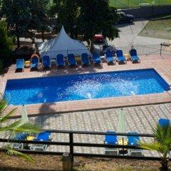 Hotel Abetos del Maestre Escuela бассейн