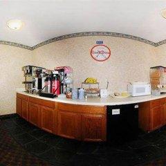 Отель Howard Johnson Express Inn Spartanburg - Expo Center питание фото 2