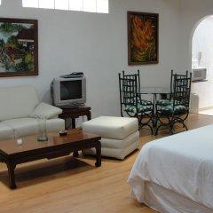 Отель Steinhaus Suites Palacio De Versalles Мехико комната для гостей фото 2