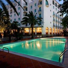 Grand Hotel Excelsior бассейн