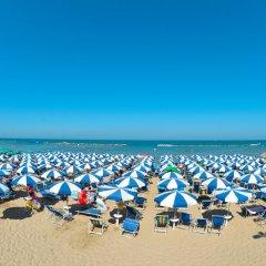 Отель Club Hotel Le Nazioni Италия, Монтезильвано - отзывы, цены и фото номеров - забронировать отель Club Hotel Le Nazioni онлайн пляж фото 2