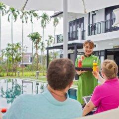 Отель M2Luxe Natural Boutique Hoian бассейн