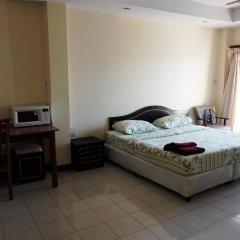 Апартаменты Parinya's Apartment Паттайя комната для гостей фото 2