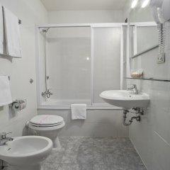 Отель Select Hotel Италия, Флоренция - 7 отзывов об отеле, цены и фото номеров - забронировать отель Select Hotel онлайн ванная