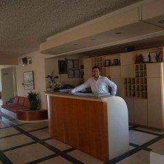 Hotel Haris интерьер отеля