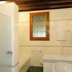 Отель Riva De Biasio Италия, Венеция - отзывы, цены и фото номеров - забронировать отель Riva De Biasio онлайн ванная фото 3