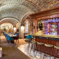 Отель Ramada Plaza Liege City Center Льеж гостиничный бар