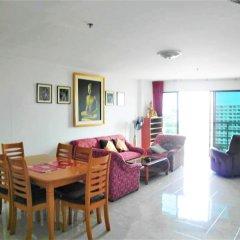 Апартаменты Sea View 1 bed Apartment Паттайя комната для гостей фото 3