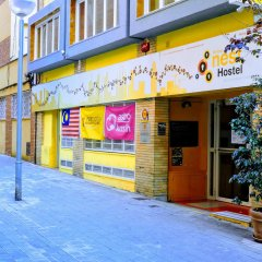 Feetup Yellow Nest Hostel Barcelona Барселона парковка