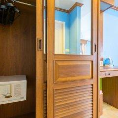Отель Phuket Chaba Hotel Таиланд, Пхукет - 1 отзыв об отеле, цены и фото номеров - забронировать отель Phuket Chaba Hotel онлайн сейф в номере