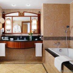 Отель Kempinski Hotel Corvinus Budapest Венгрия, Будапешт - 6 отзывов об отеле, цены и фото номеров - забронировать отель Kempinski Hotel Corvinus Budapest онлайн ванная
