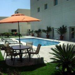 Отель Best Western Aeropuerto Мексика, Эль-Бедито - отзывы, цены и фото номеров - забронировать отель Best Western Aeropuerto онлайн бассейн фото 3