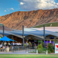 Отель Crowne Plaza Alice Springs Lasseters