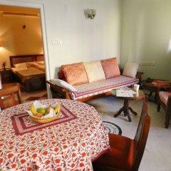 Om Niwas Suite Hotel комната для гостей фото 4