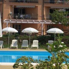 Отель Residence Pietre Bianche Пиццо бассейн