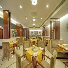 Отель The Muse Sarovar Portico - Nehru Place Индия, Нью-Дели - отзывы, цены и фото номеров - забронировать отель The Muse Sarovar Portico - Nehru Place онлайн гостиничный бар