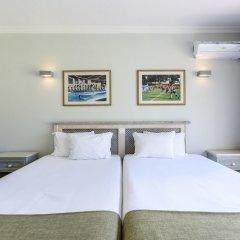 Отель Browns Sports & Leisure Club комната для гостей фото 6