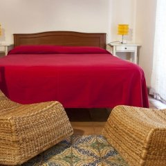 Отель Olivella Suite комната для гостей