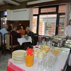 Отель Buddha Land Непал, Катманду - отзывы, цены и фото номеров - забронировать отель Buddha Land онлайн питание фото 2