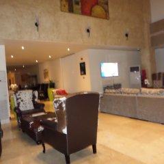 Отель Eagles Lodge Такоради интерьер отеля