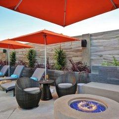 Отель Hampton Inn & Suites Los Angeles Burbank Airport Лос-Анджелес бассейн фото 2