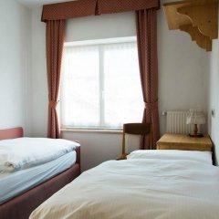 Hotel Nès Crépes Долина Валь-ди-Фасса сейф в номере