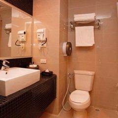 Отель Pattaya Loft Hotel Таиланд, Паттайя - отзывы, цены и фото номеров - забронировать отель Pattaya Loft Hotel онлайн ванная