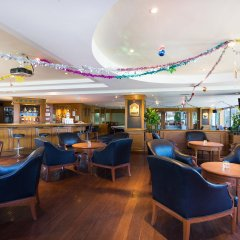 Отель Cholchan Pattaya Beach Resort гостиничный бар