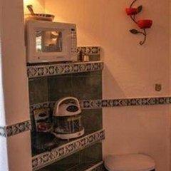 Отель Cabo Marina Beach Condos Bed And Breakfast - Adult Only удобства в номере