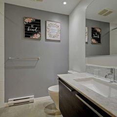 Отель Noel Suites-Gastown Канада, Ванкувер - отзывы, цены и фото номеров - забронировать отель Noel Suites-Gastown онлайн ванная фото 2
