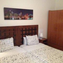 Отель Hostal Absolut Stay Барселона комната для гостей