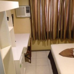 Отель Cebu R Hotel - Capitol Филиппины, Лапу-Лапу - отзывы, цены и фото номеров - забронировать отель Cebu R Hotel - Capitol онлайн комната для гостей фото 3