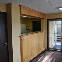 Отель Northwood Inn & Suites Блумингтон балкон