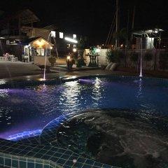 Отель Baan Kaew Ruen Kwan бассейн