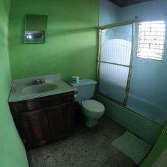 Porty Hostel Порт Антонио ванная фото 2
