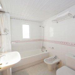 Отель Duquesa Playa ванная фото 2
