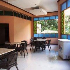 Отель Cambriza Suites питание