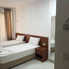 Апартаменты Sunny Bliss Apartments with Seaview Дуррес комната для гостей фото 3