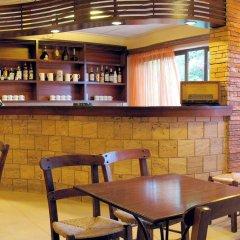 Отель Philoxenia Hotel & Studios Греция, Родос - отзывы, цены и фото номеров - забронировать отель Philoxenia Hotel & Studios онлайн гостиничный бар