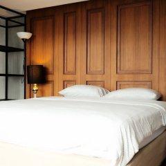 Отель White Palace Bangkok сейф в номере