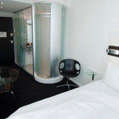 Отель Wakeup Copenhagen - Borgergade Дания, Копенгаген - 4 отзыва об отеле, цены и фото номеров - забронировать отель Wakeup Copenhagen - Borgergade онлайн ванная
