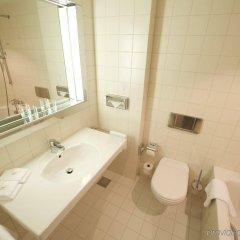 Отель Holiday Inn Berlin City-West ванная фото 2