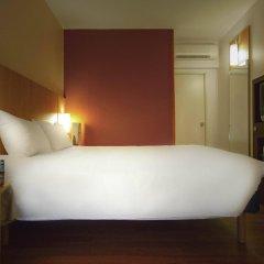 Отель Ibis Off Grand Place Брюссель комната для гостей фото 2