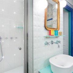 Отель Hôtel Crayon Rouge by Elegancia ванная фото 2